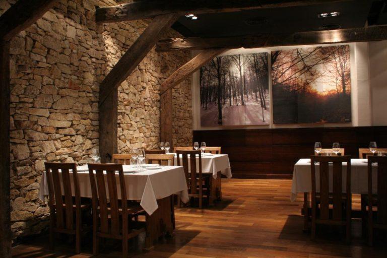 153987076comedor_bodega_sagardi_restaurante_vasco_argentina